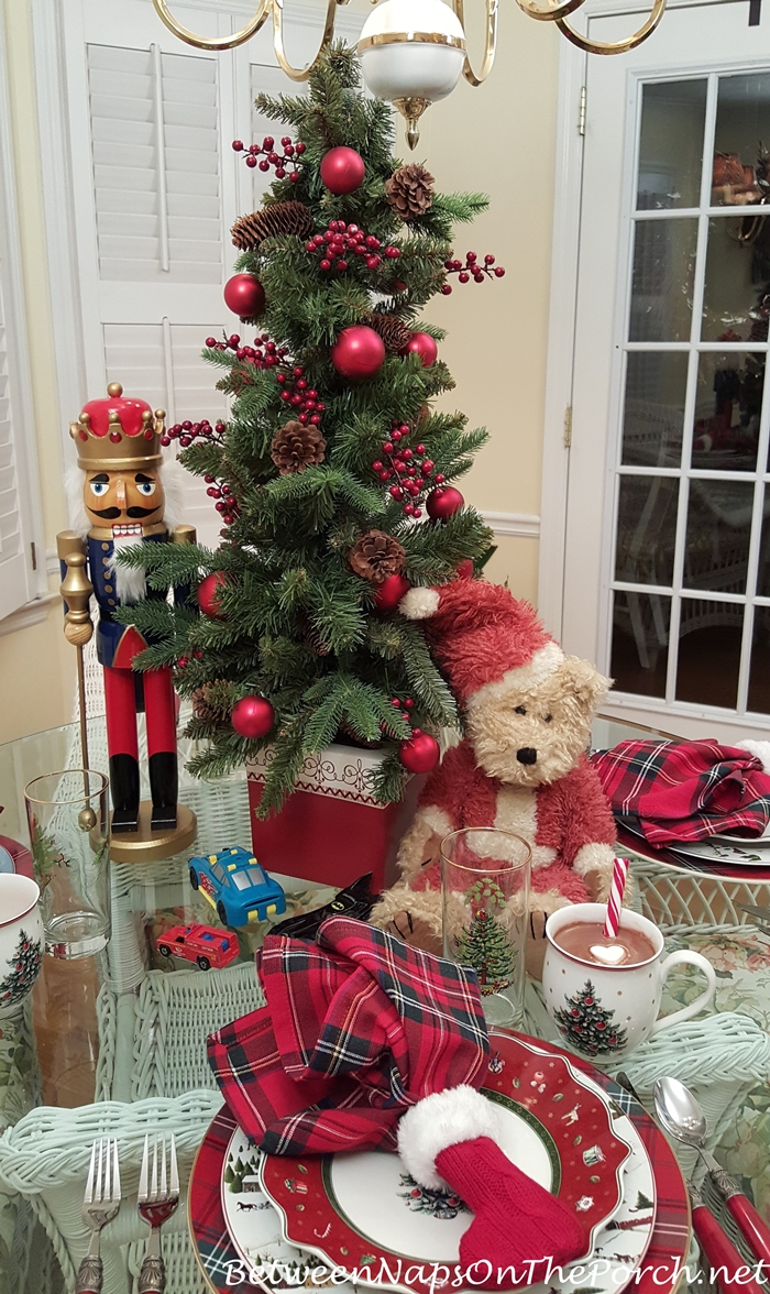 Christmas Tablescape with Christmas Tree Centerpiece & Toy Theme