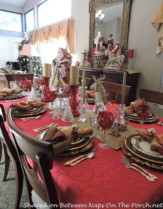 christmas tablescape with lenox holiday tartan and fitz and floyd centerpiece