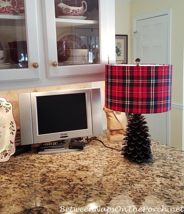 Red Plaid Pine Cone Lamp