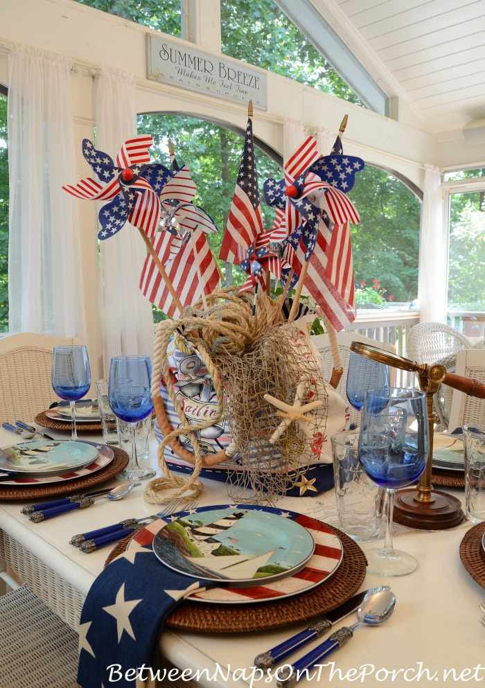 4th-of-July-Nautical-Table-Setting-Tablescape