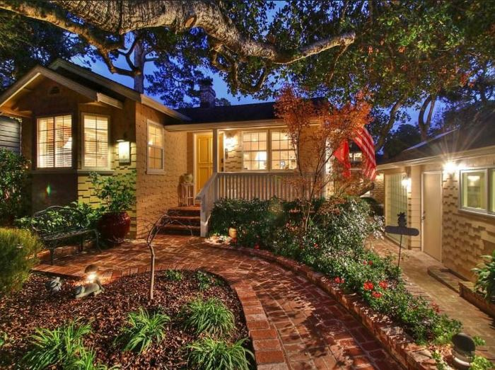 Cottage for Sale in Carmel-by-the-Sea 02