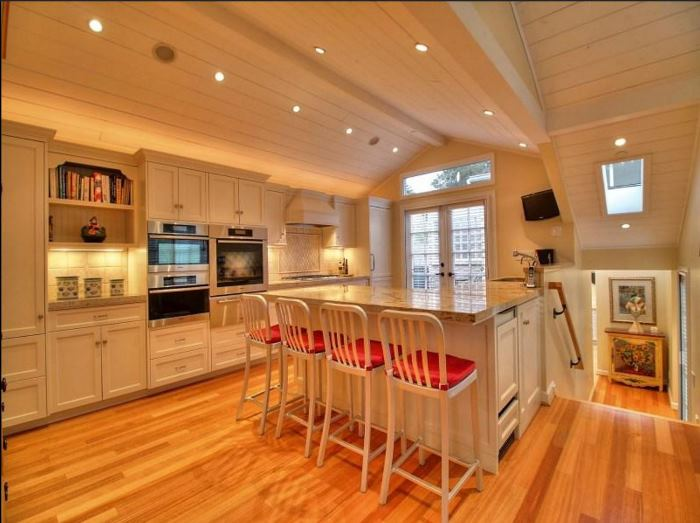 Cottage for Sale in Carmel-by-the-Sea 15
