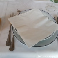 Dining in Italy and the Mystery of the Missing Bread Plates