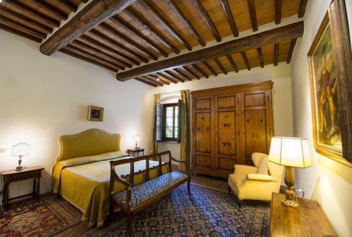 Bedroom in Michelangelo's Historic Tuscan Home