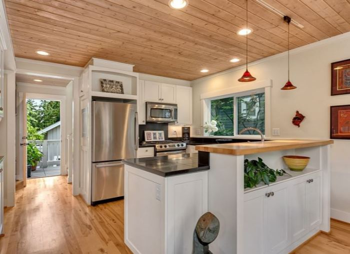 cottage kitchen and small house living - Living In A Small Cottage