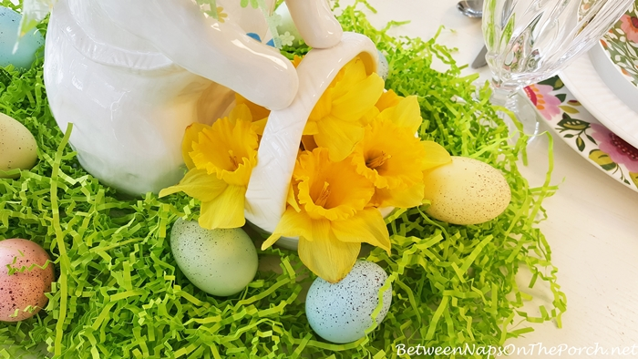 Daffodils for Spring Easter Table