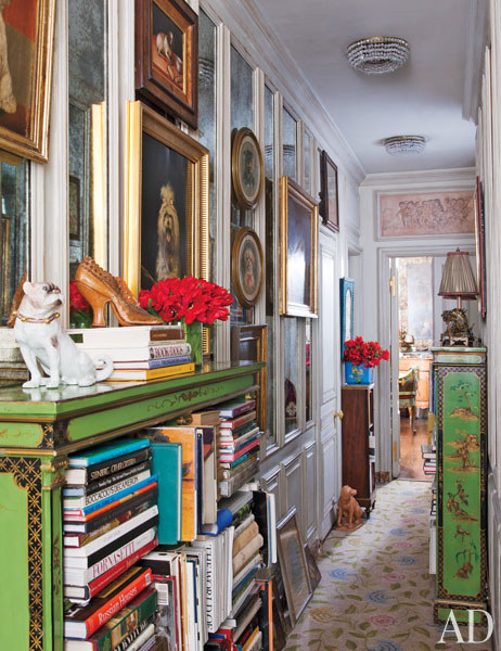Iris Apfel, Hall in her New York Apartment