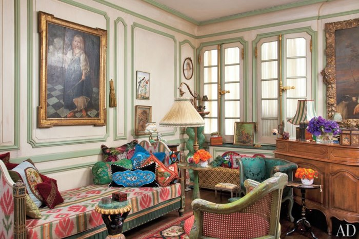 Iris Apfel's Library in her New York Apartment