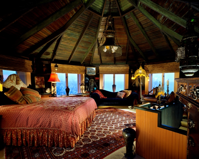 Lands End Inn, The Moroccan Tower Room