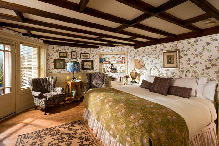 Lands End Inn, The Wisteria Room