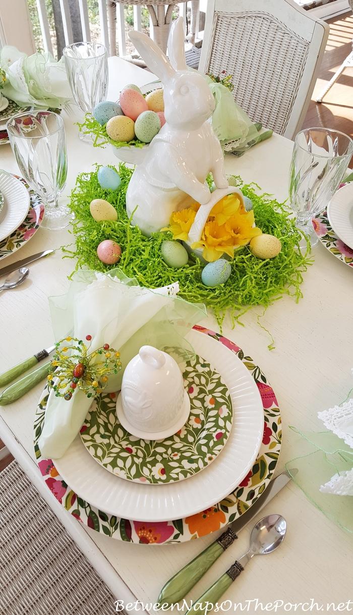 Spring Table, Kim Parker, Spode Emma's Garland