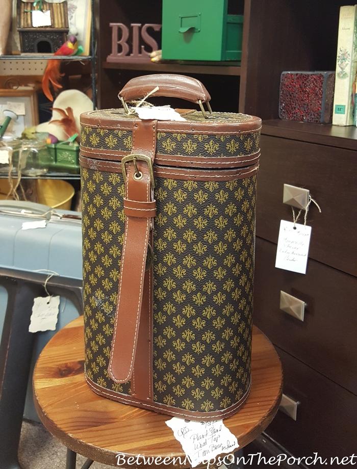 Fleur-de-lis Leather Wine Caddy