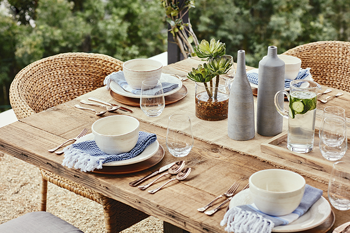 Table Setting, Julianne Hough