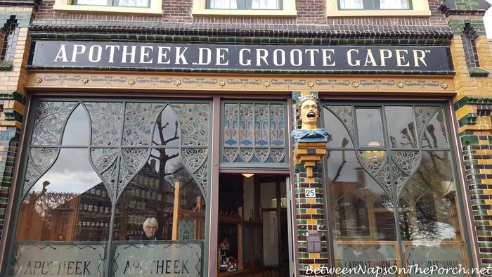 Gapers & Yawners, Zuiderzee Museum, Enkhuizen, Holland, Netherlands