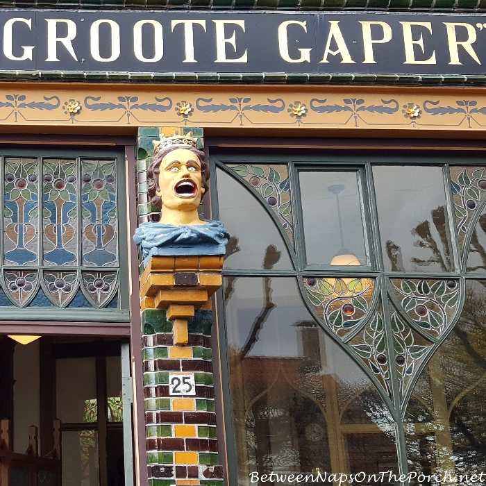 Gapers & Yawners, Zuiderzee Museum Pharmacy, Enkhuizen