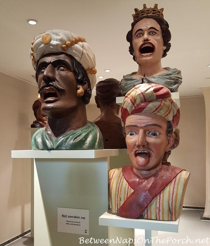 Gapers, Zuiderzee Museum, Enkhuizen, Holland_wm