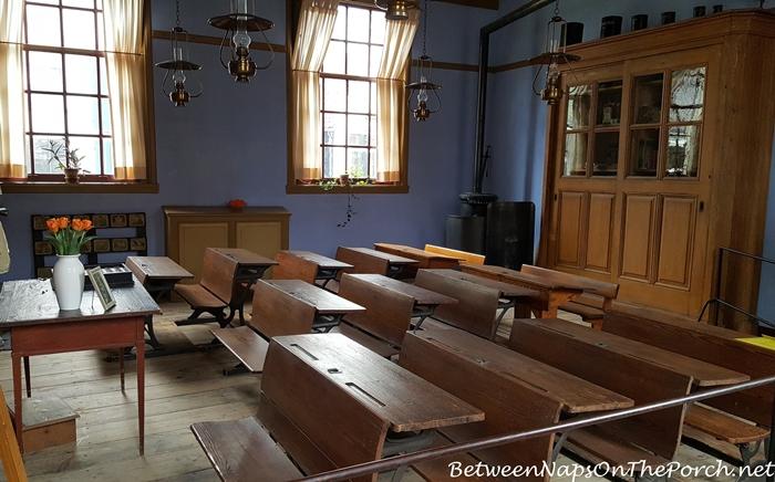 Historical School Room, Enkhuizen, Zuiderzee Museum_wm
