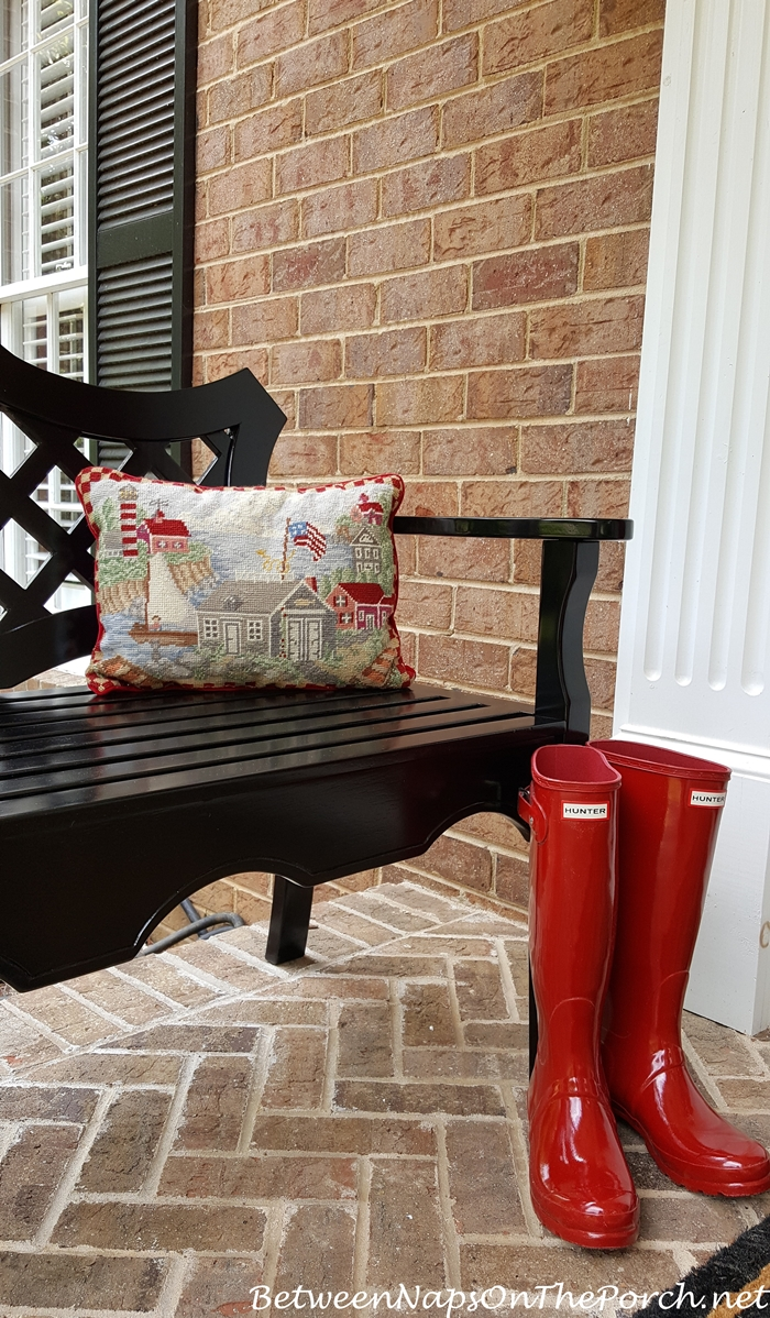 Luciana Bench with pillow and red Hunter boots