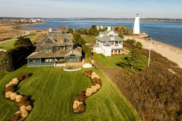 Seaside Home in Fenwick, Old Saybrook with Lighthouse