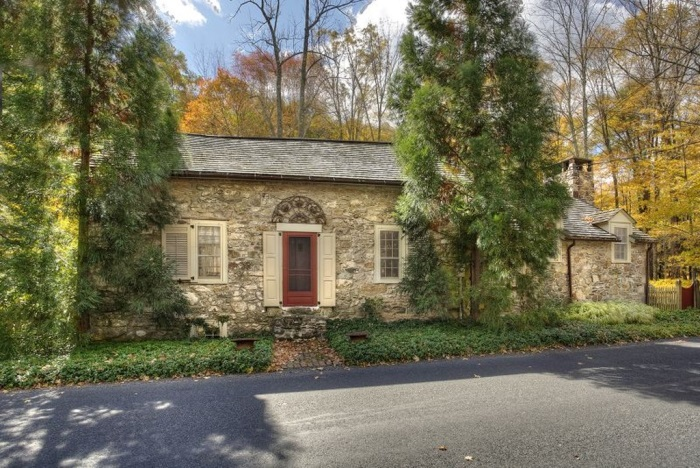 1730 Stone Cottage, The Tory House