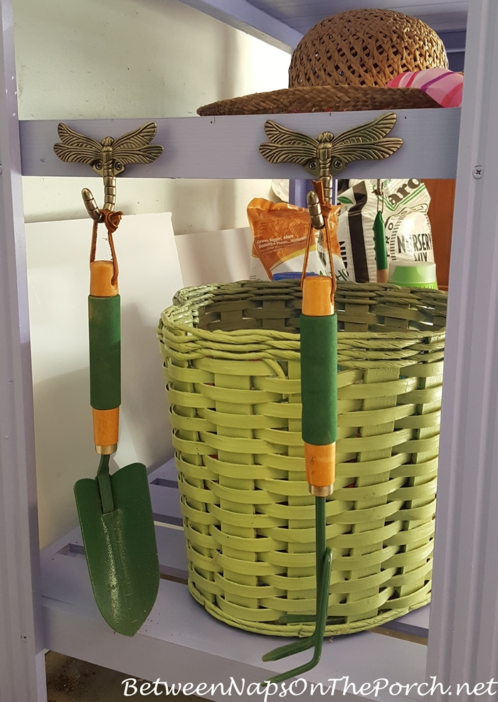 Dragonfly Hooks for Potting Bench