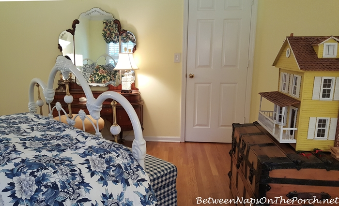 Guest Room with Dollhouse