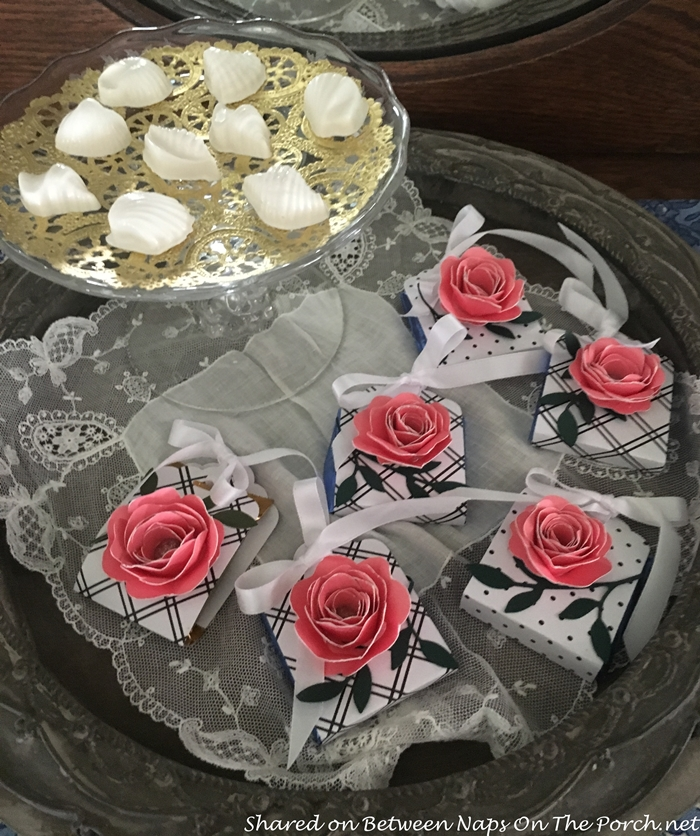 Rose Covered Package, Party Favor for Guests