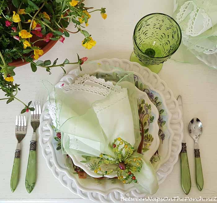 Summer Table Setting with Ma Maison Dinnerware