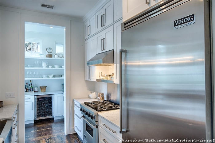 Viking Refrigerator for Palmetto Bluffs Historical Concepts Home_wm