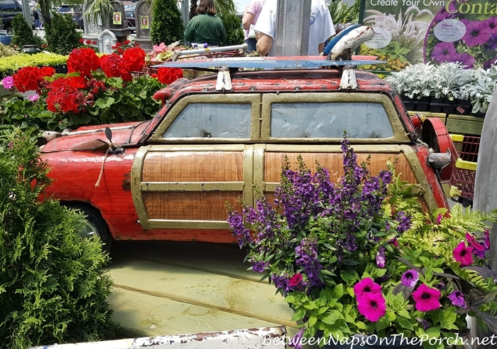 Woody Car for the Garden, Yard Art