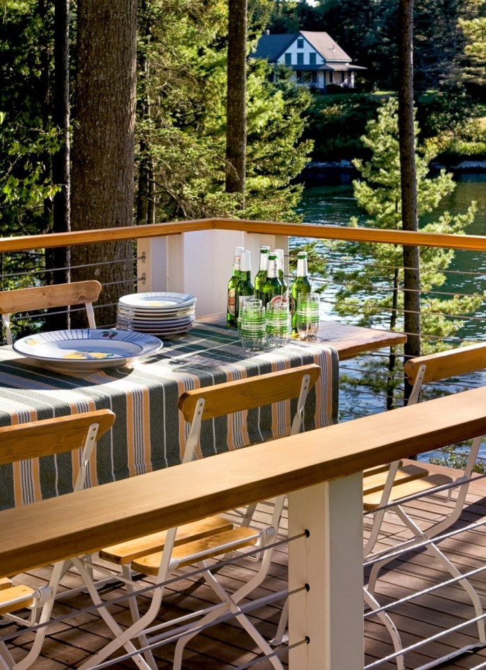 Dining & Entertaining on Deck Overlooking Lake