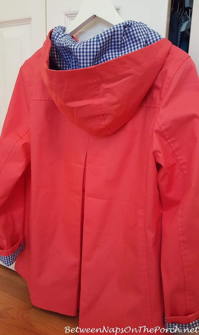Stylish Raincoat with Inverted Back Pleat