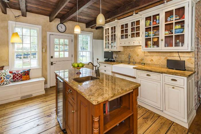 Beautiful Kitchen with Antique Pumpkin Pine Flooring