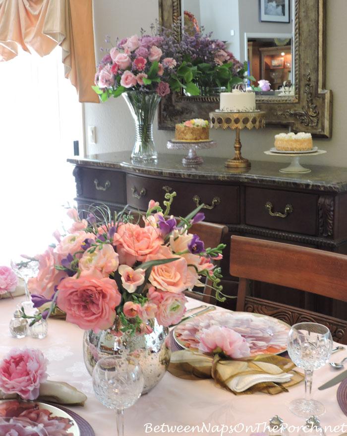 Floral Arrangement for Summer Dinner Party