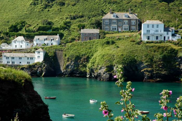 Visit Port Issac Where Doc Martin Was Filmed Anne Hathaway S Cottage