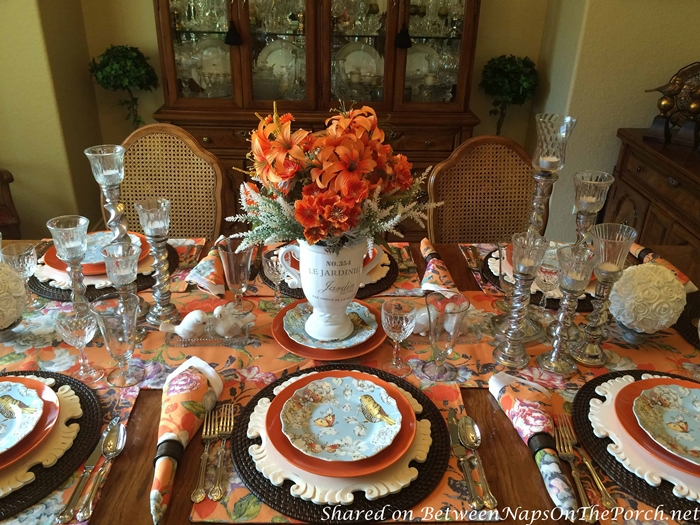 Summer Tablescape Transitions Beautifully Into Autumn