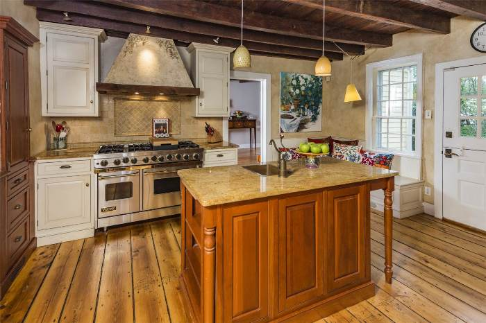 Viking Range for Updated Historic Home
