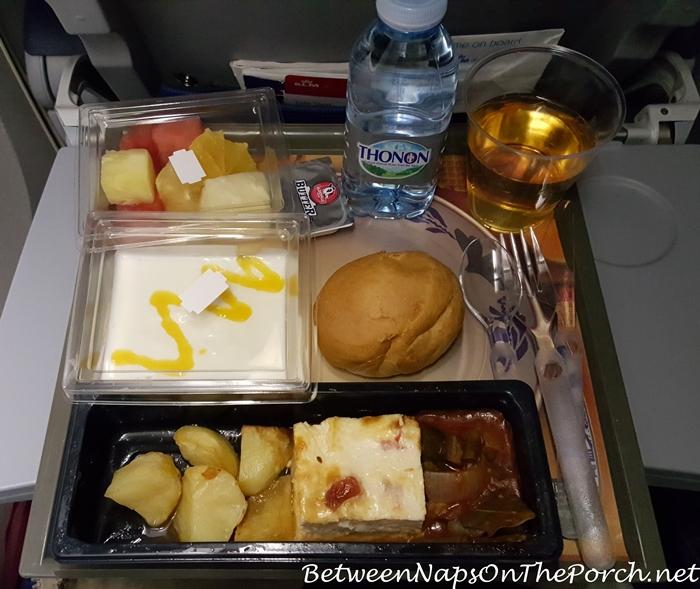 airplane-dining