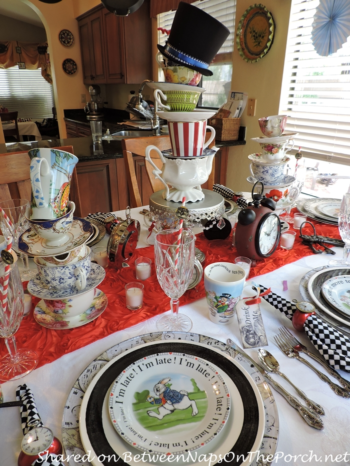 Alice in Wonderland, Mad Hatter Tea Party Table Setting