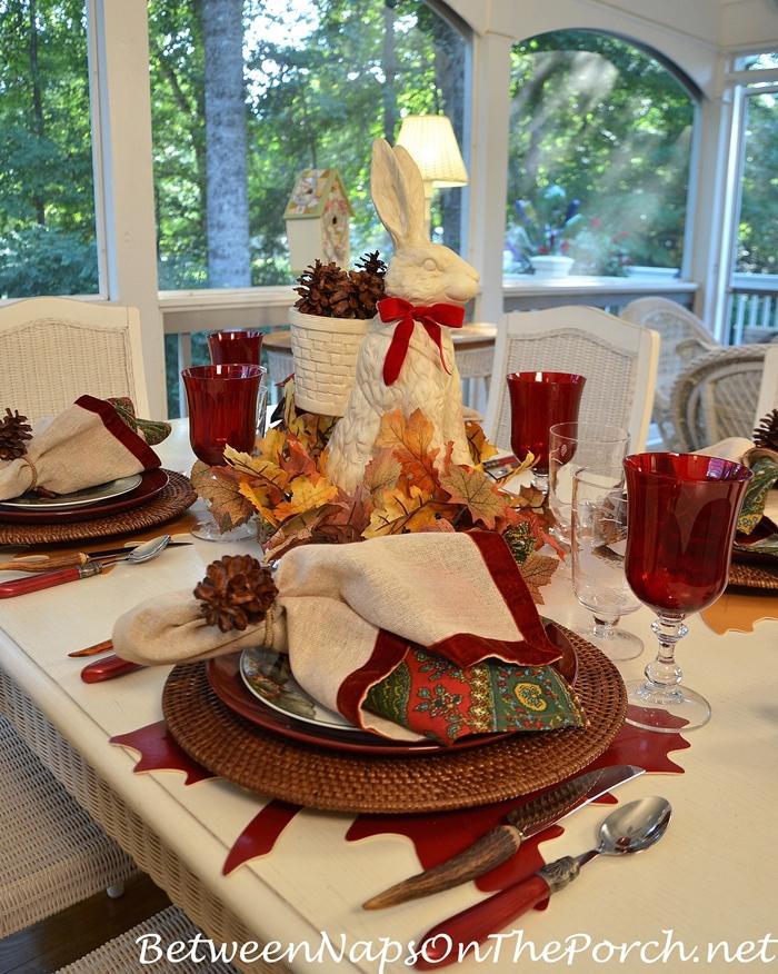 an-autumn-table-with-a-woodland-theme