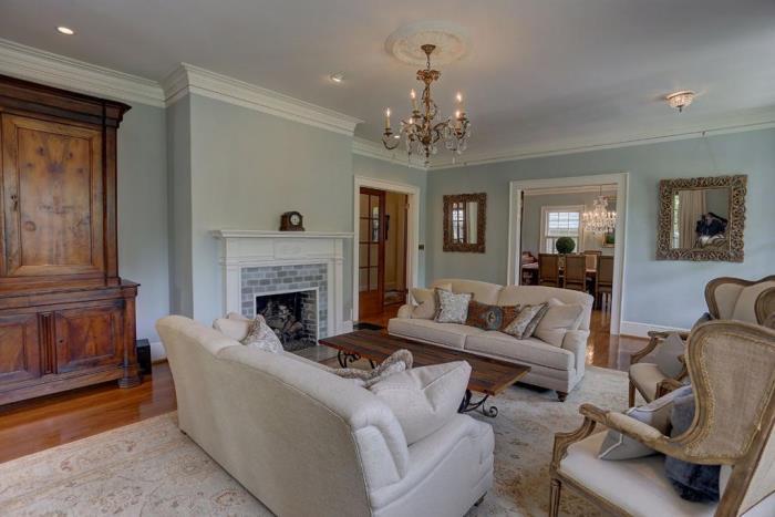 beautiful-traditonal-living-room