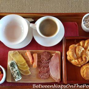 breakfast-at-mahali-mzuri