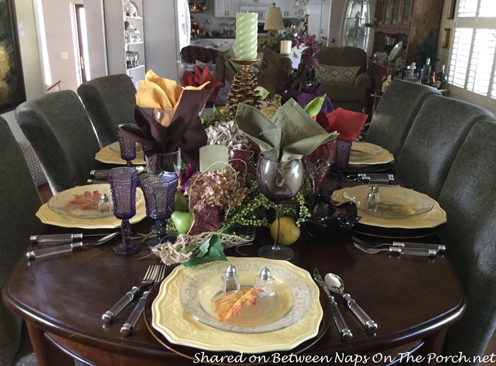 fall-table-in-yellow-purple-and-green