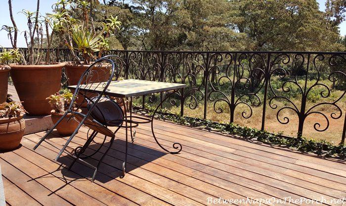 giraffe-manor-upper-deck-daisy-room