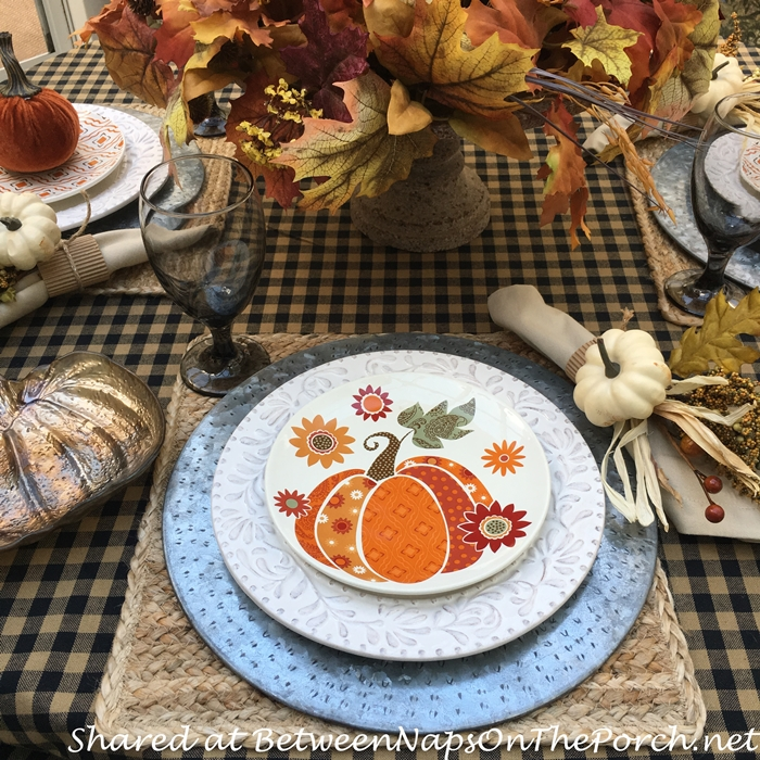 autumn-table-with-fall-dishware