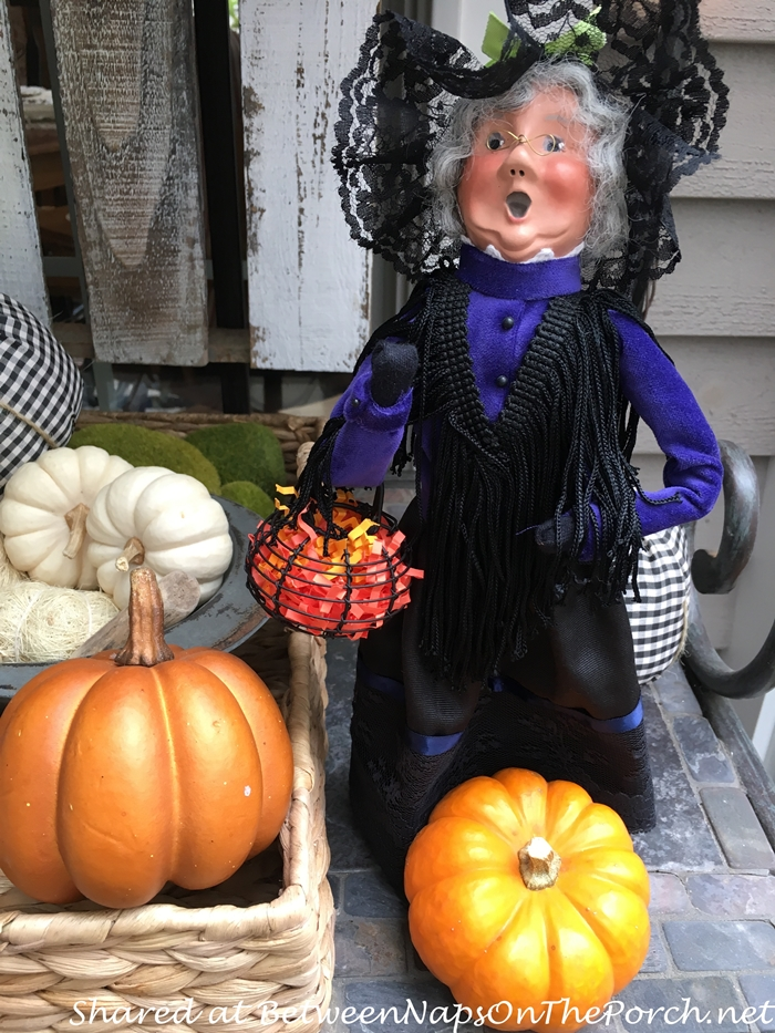 byer-caroler-halloween-and-fall