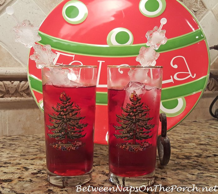 christmas-glasses-with-snowflake-swizzle-stirrer