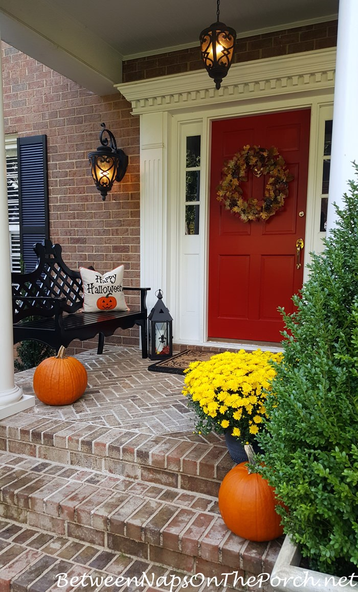 Decorate Your Porch For Autumn Halloween