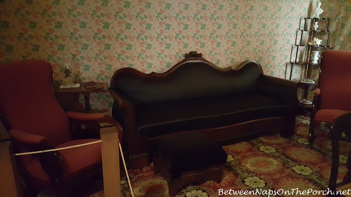 furniture-in-1845-historic-william-root-house