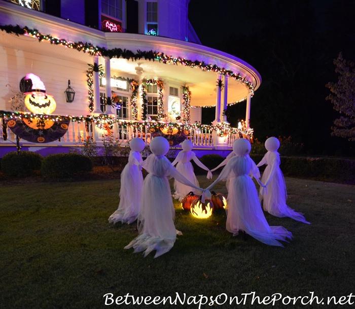 ghosts-around-cauldron-for-halloween